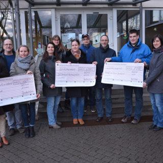 Spendenübergabe der Theatergruppe Hettstadt an die Jugendarbeit des Musikvereins